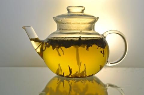 Чай в чайничке